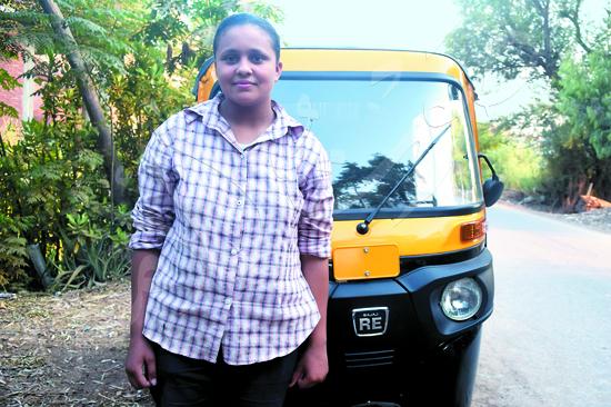 أصغر سائقة توك توك مع محررة صوت الأمة (4)