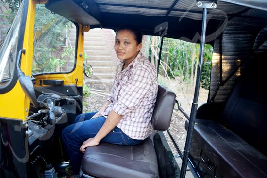 أصغر سائقة توك توك مع محررة صوت الأمة (5)