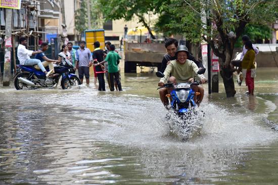 شوارع الهند بعد الفيضان