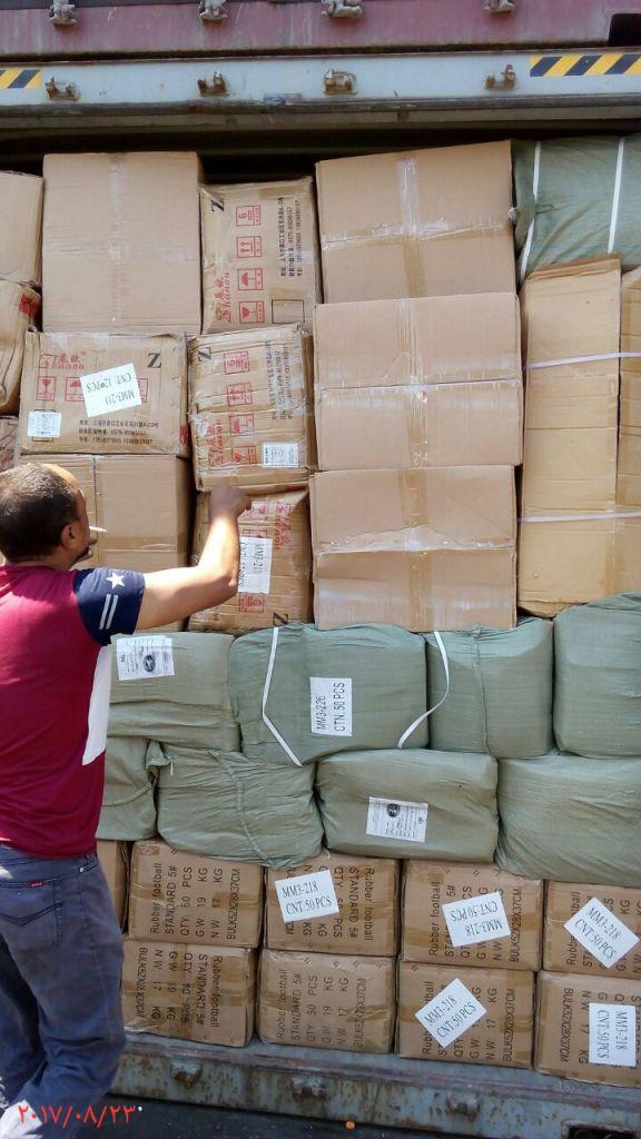 ضبط 400 الف قطعة العاب نارية مهربة داخل حاويتين ببورسعيد (6)