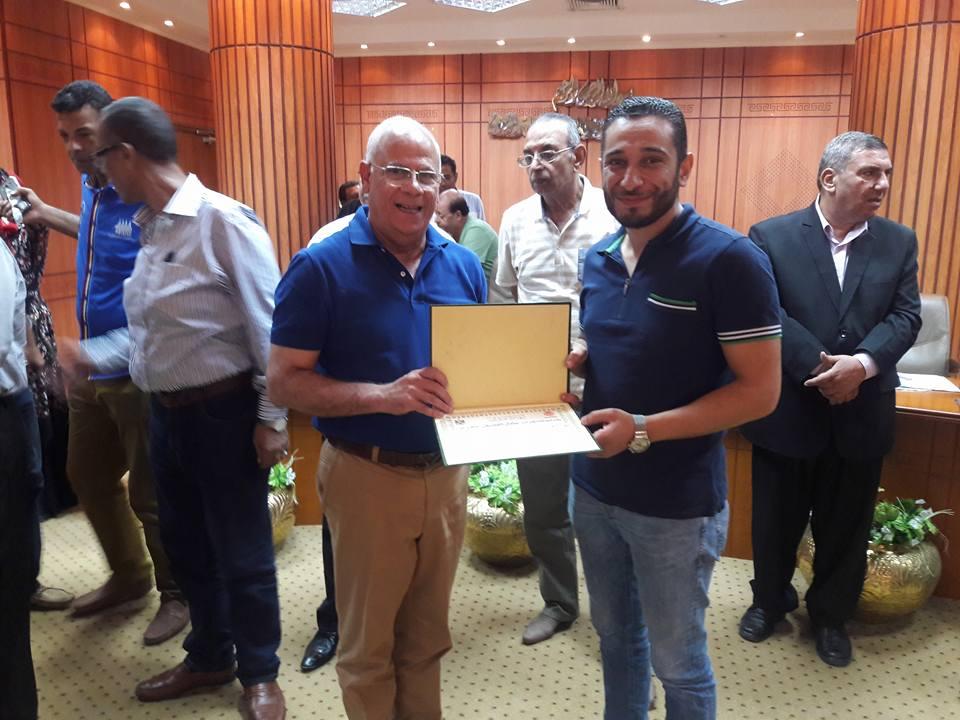 تكريم المحافظ للمعلمين المتميزين ببورسعيد (1)