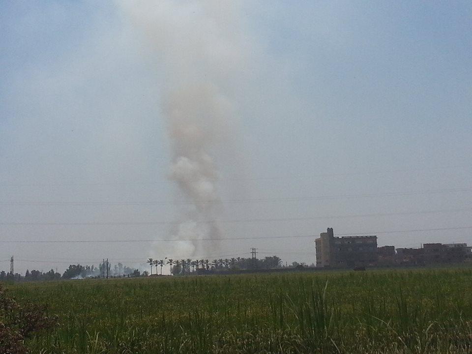 الدخان يتصاعد في سماء كفر الشيخ