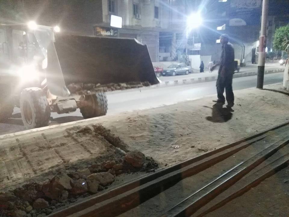 1- إزالة الاتربة  بطول خط السكة الحديدة بقلين كفر الشيخ