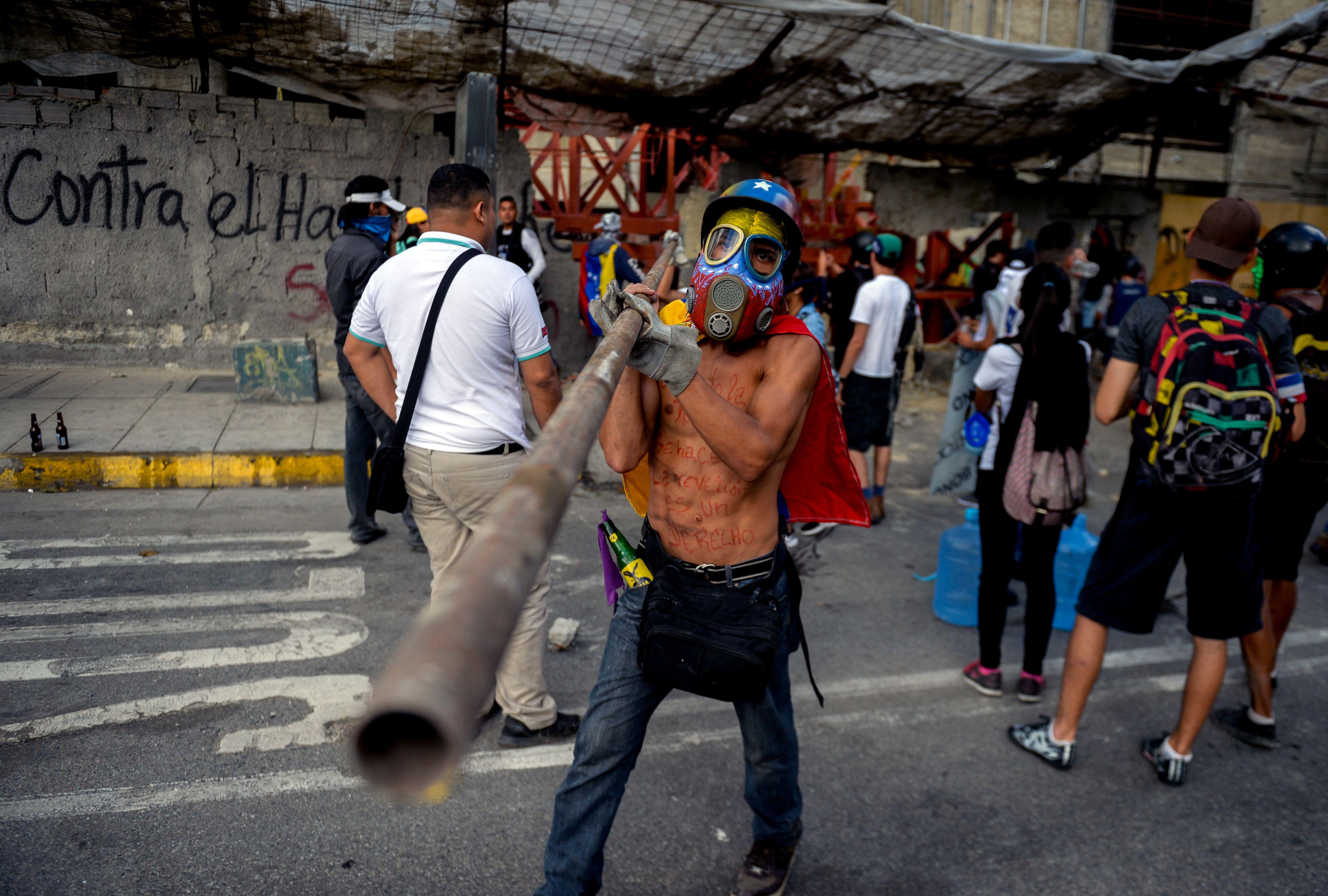 اشتباكات فنزويلا (15)