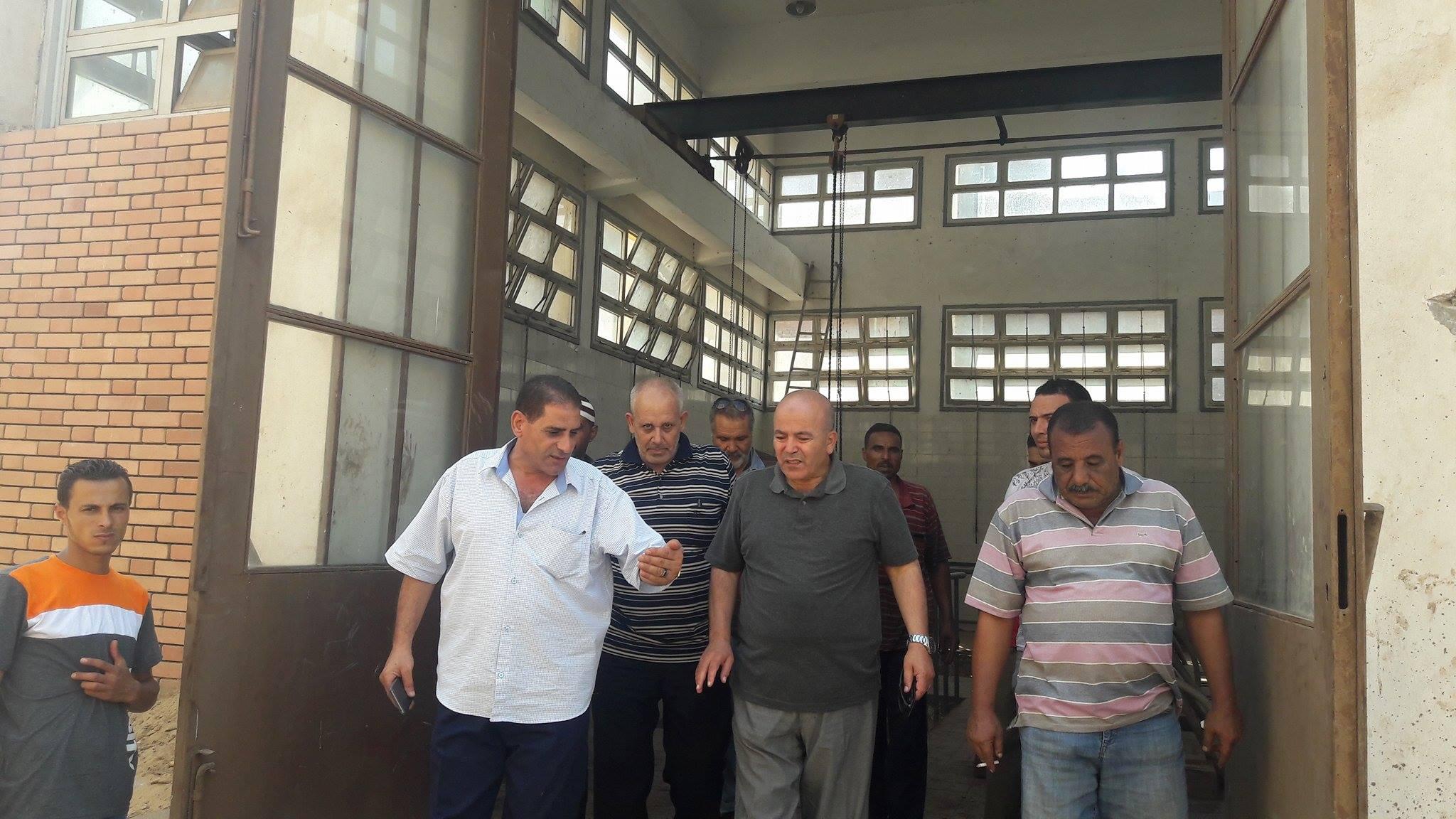 رئيس مدينة السنطة يتابع واقعة تسريب مياه الصرف الصحي واختلاطها بمياه الشرب