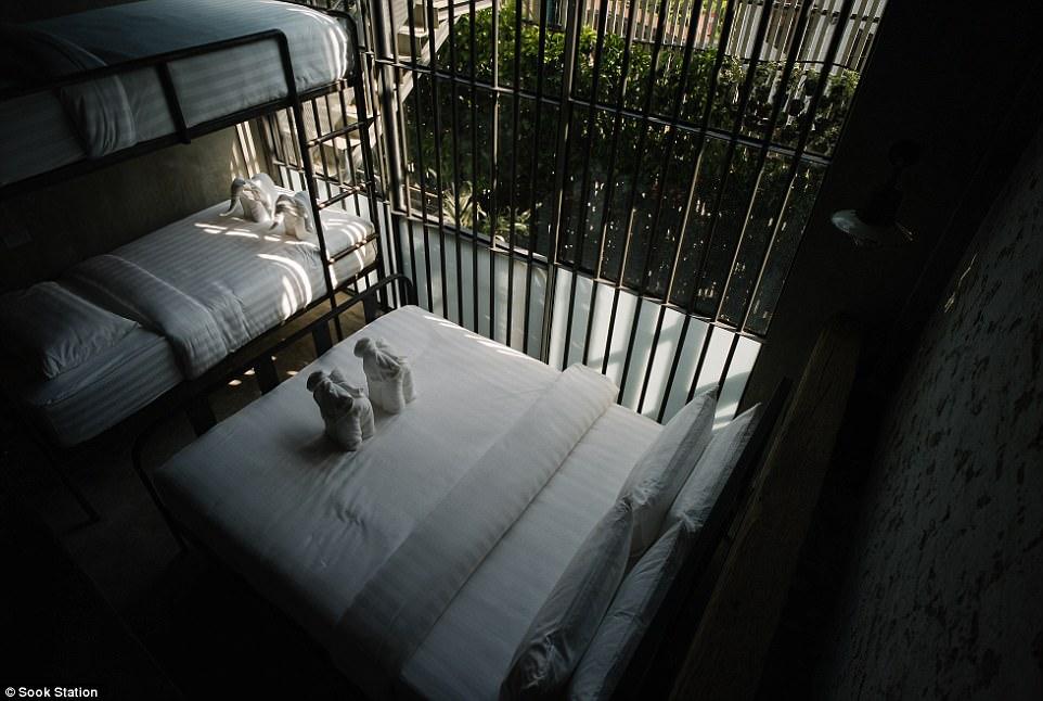 فندق فى بانكوك (1)