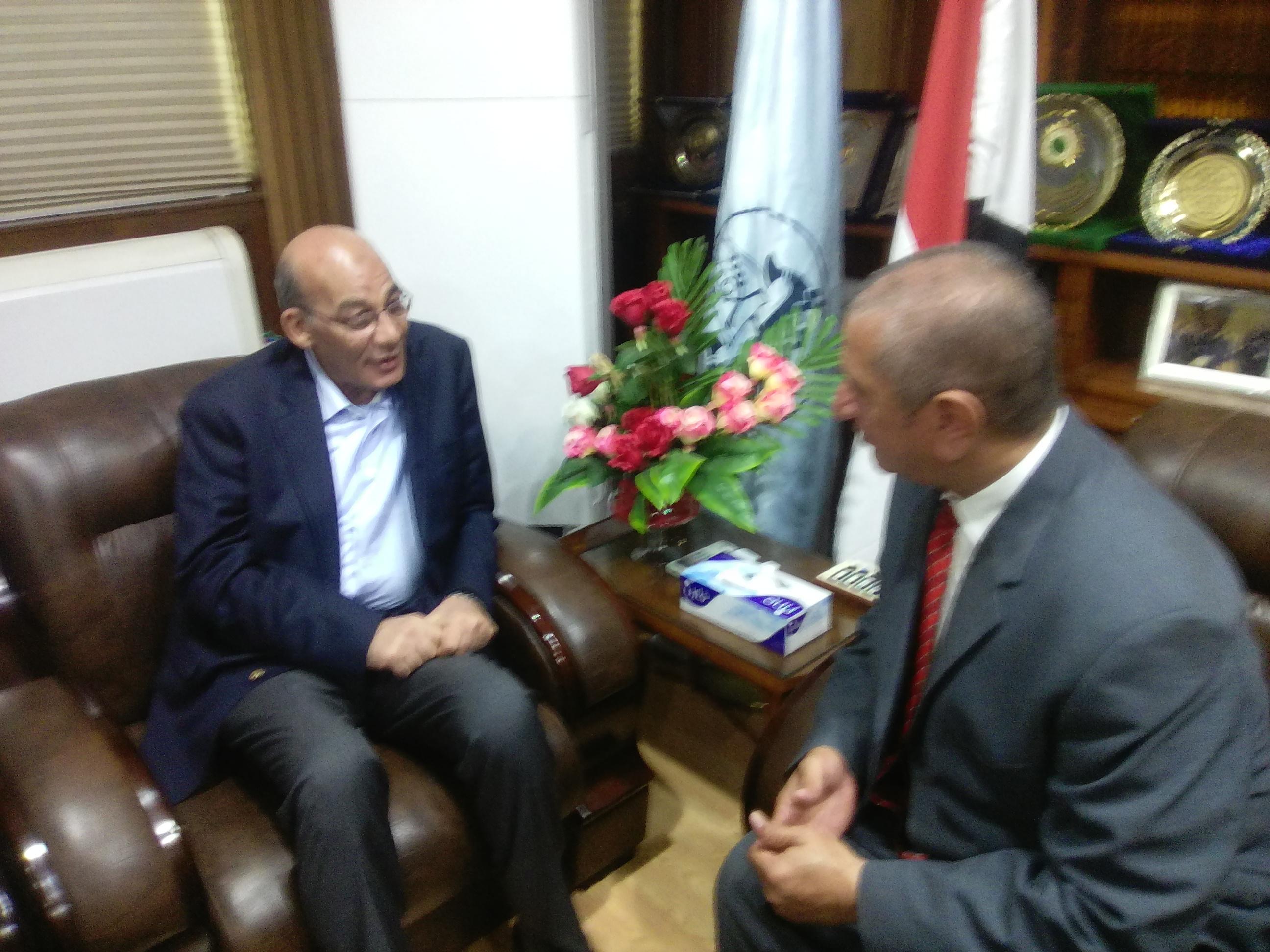 محافظ كفر الشيخ يستقبل وزير الزراعة  (5)