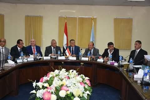 الدكتور هشام عرفات وزير النقل (1)