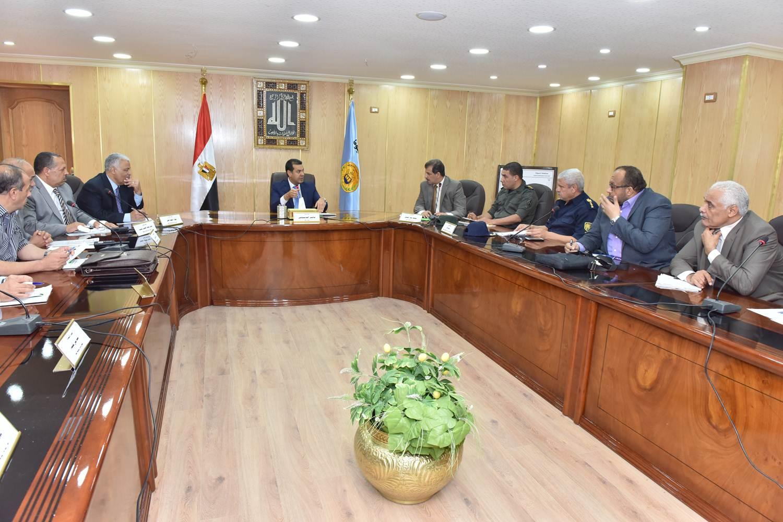 اجتماع لجنة الكوارث والازمات (3)