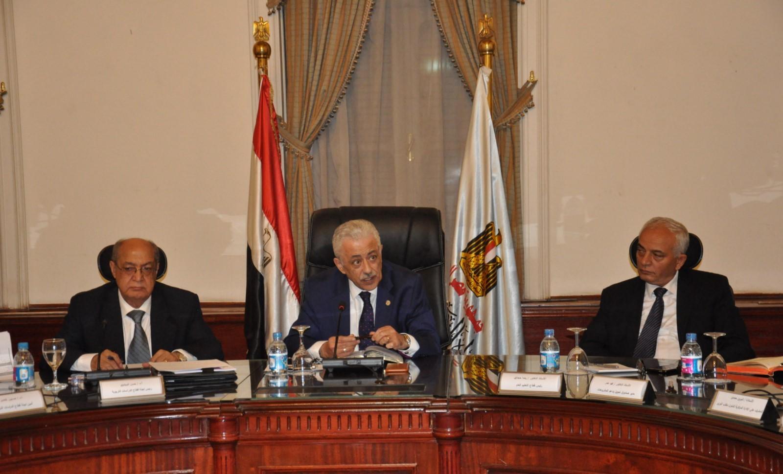 اجتماع قيادات التربية والتعليم مع عمداء الكليات لتطوير التعليم (7)