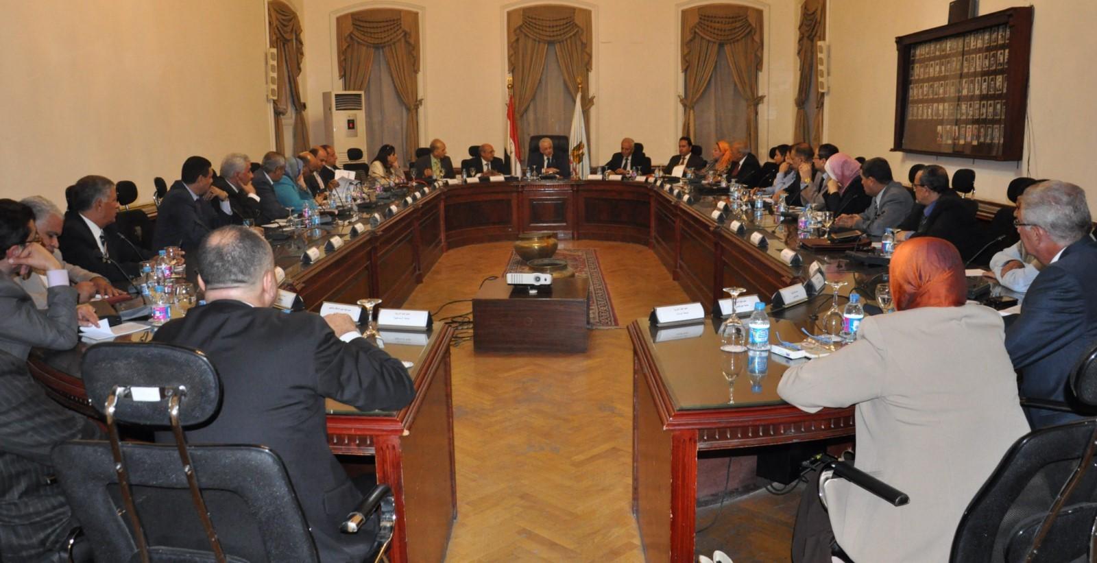 اجتماع قيادات التربية والتعليم مع عمداء الكليات لتطوير التعليم (5)