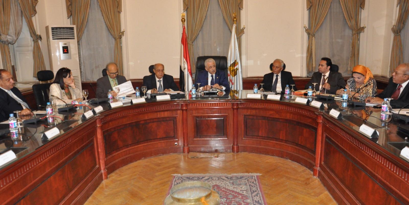 اجتماع قيادات التربية والتعليم مع عمداء الكليات لتطوير التعليم (8)