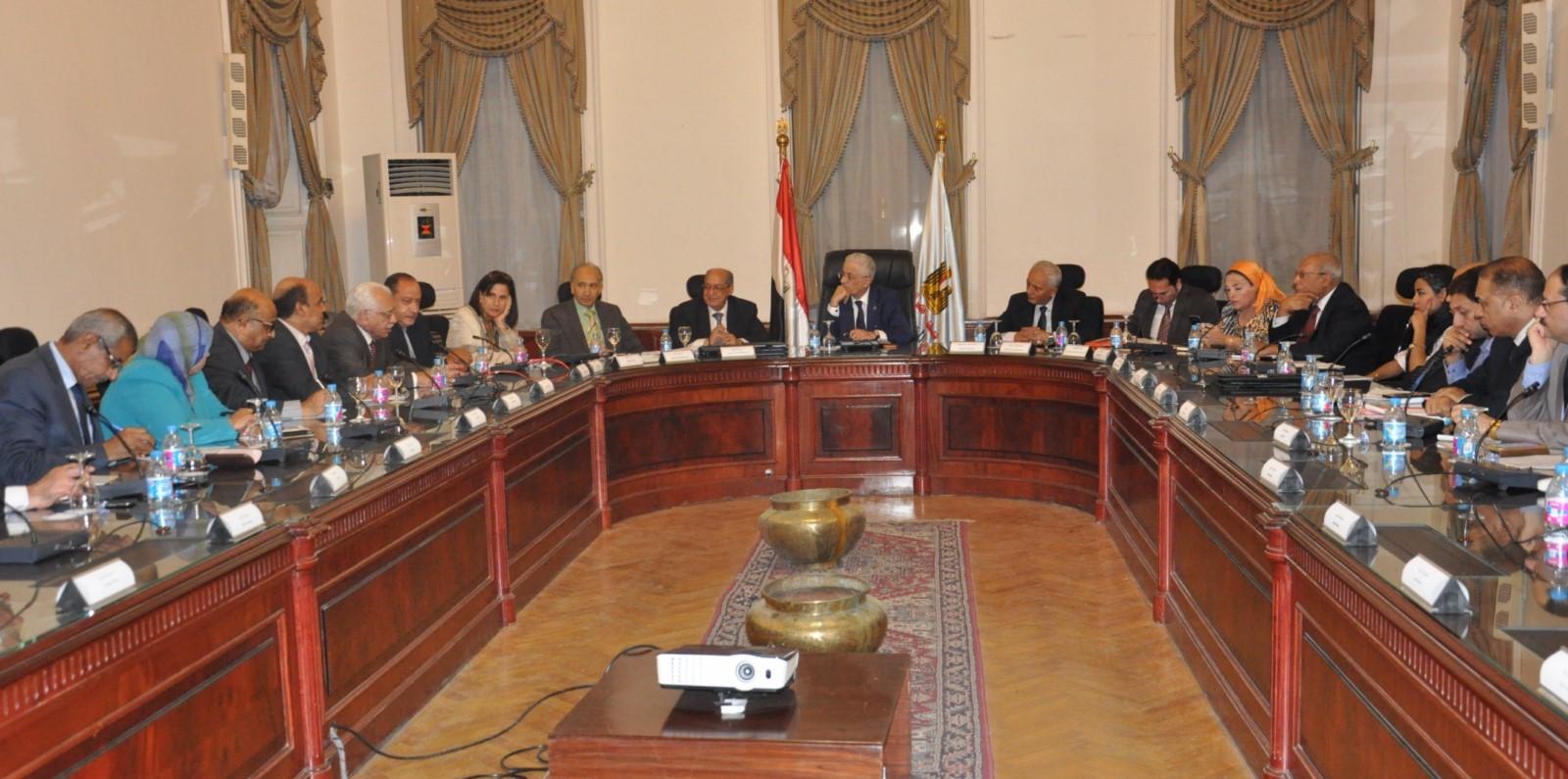 اجتماع قيادات التربية والتعليم مع عمداء الكليات لتطوير التعليم (4)