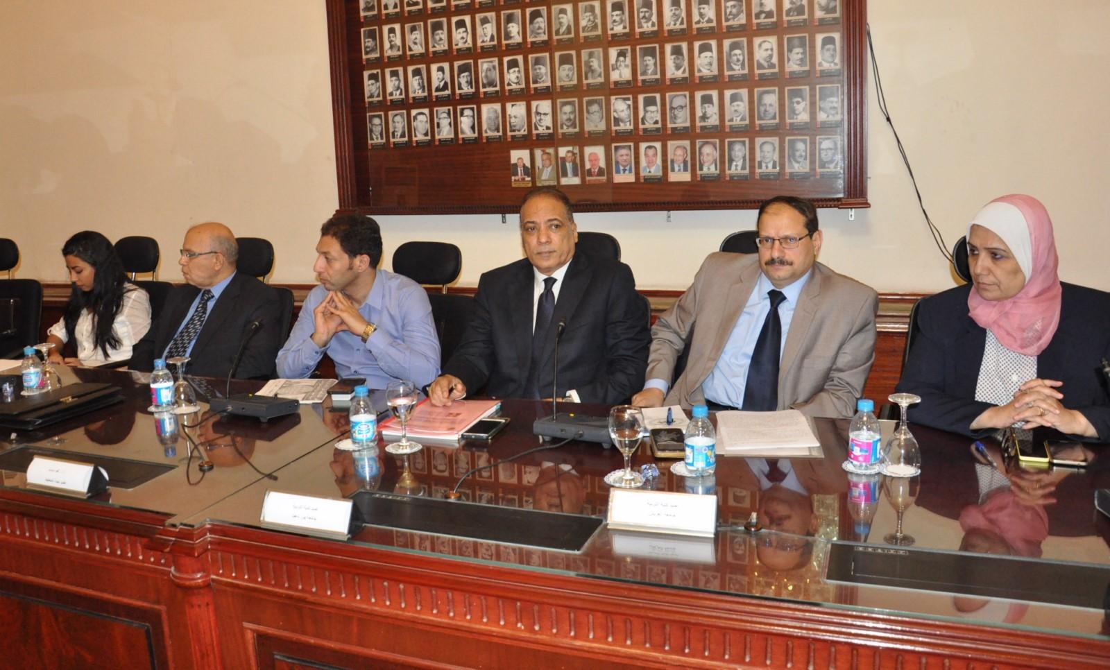 اجتماع قيادات التربية والتعليم مع عمداء الكليات لتطوير التعليم (10)