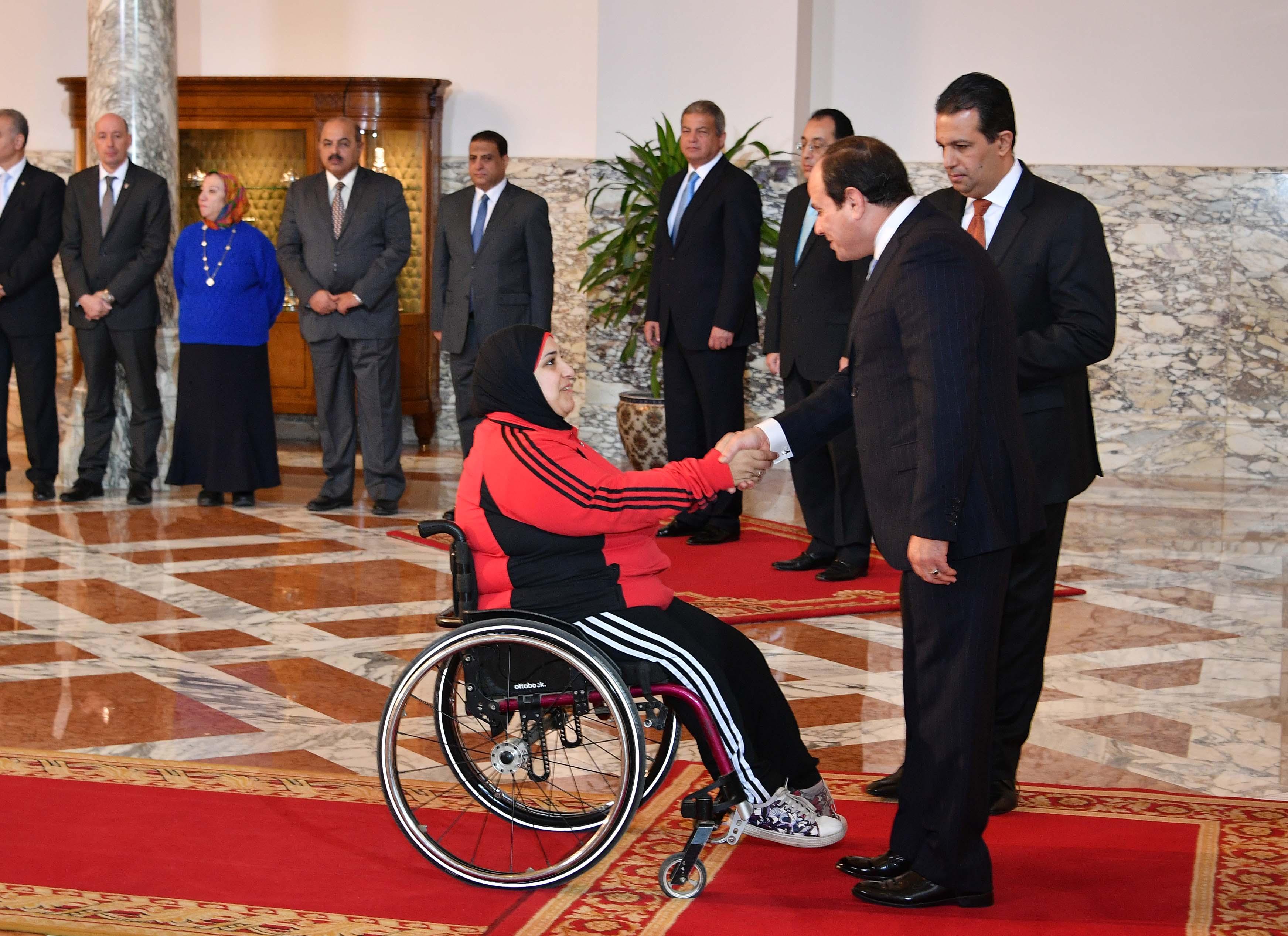 السيسى يمنح أوسمة الجمهورية للأبطال الرياضيين  (3)