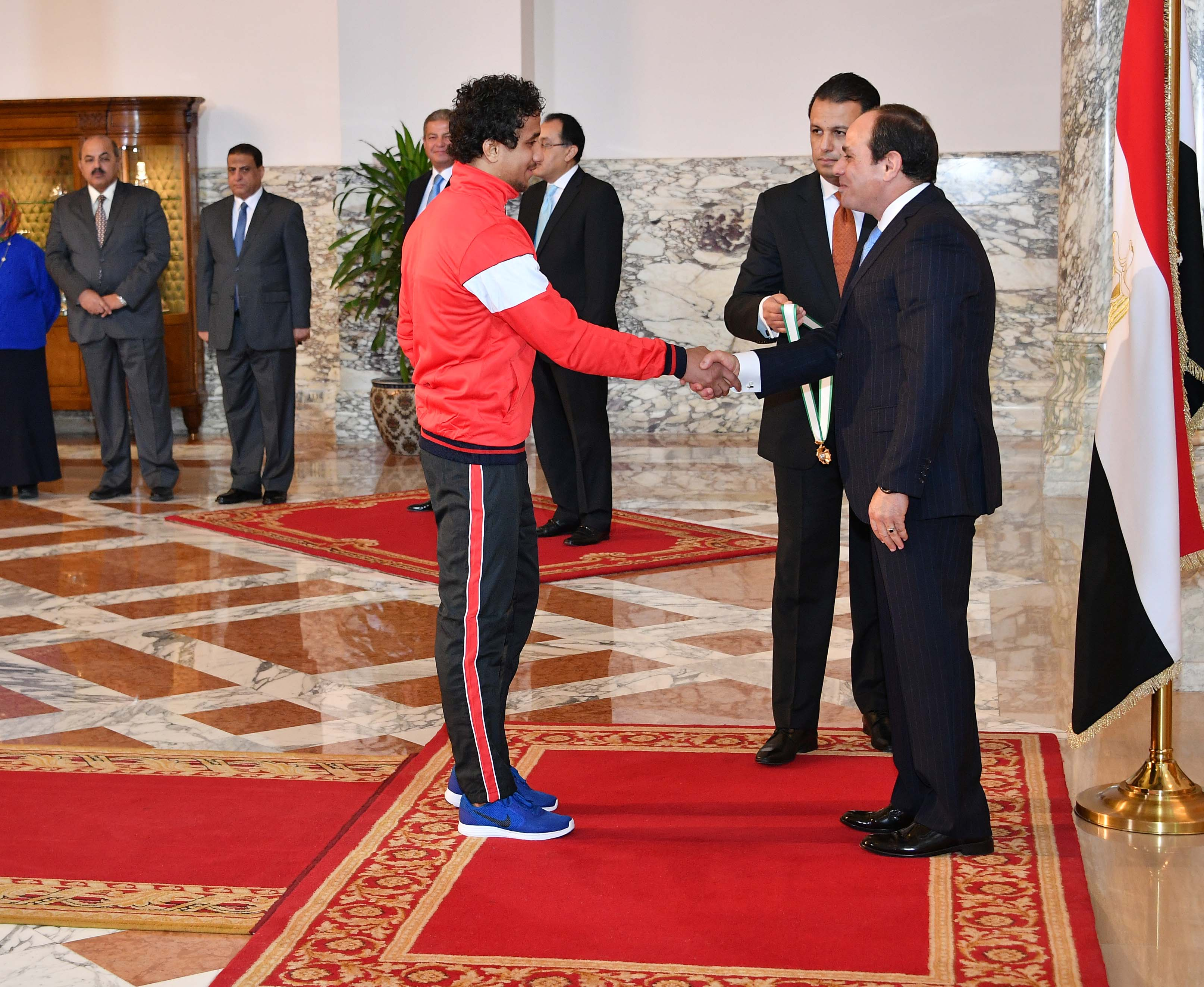 السيسى يمنح أوسمة الجمهورية للأبطال الرياضيين  (5)