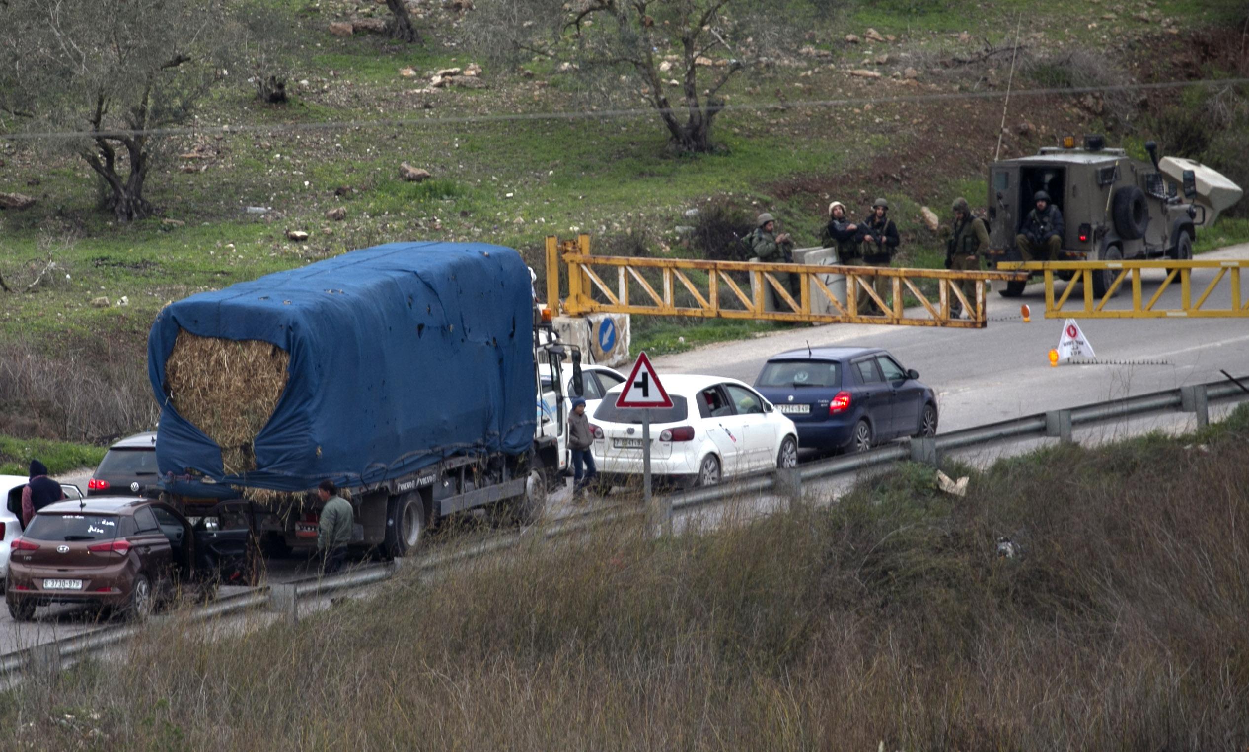 صور قوات الاحتلال تحاصر نابلس (4)