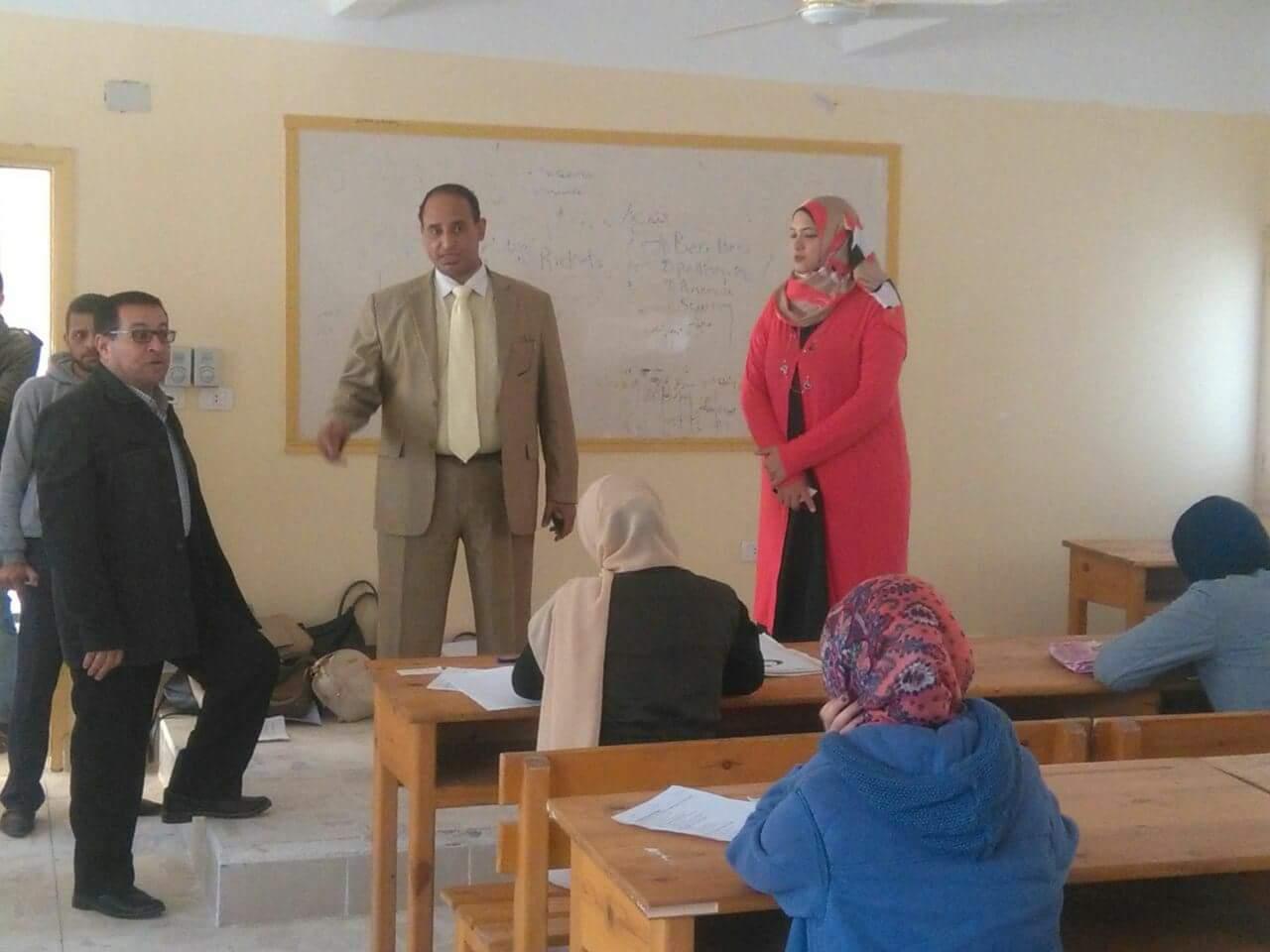 الدكتور عربى محمد وكيل وزارة الصحة بشمال سيناء (2)