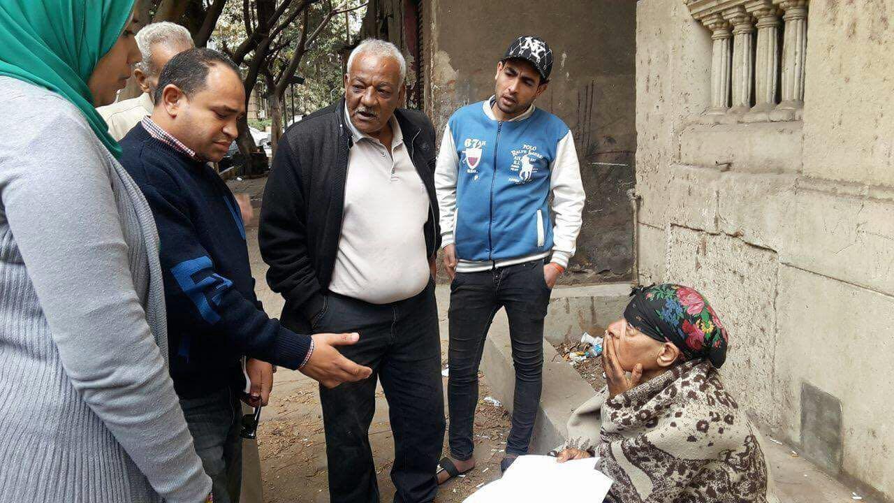 التضامن التدخل السريع ينقذ سيدة مسنة من برد الشارع وينقلها إلى دار لرعاية المسنين (2)