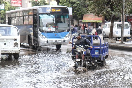 الأمطار تغرق شوراع الجيزة (2)
