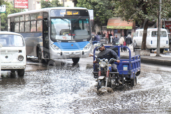 الأمطار تغرق شوراع الجيزة (7)