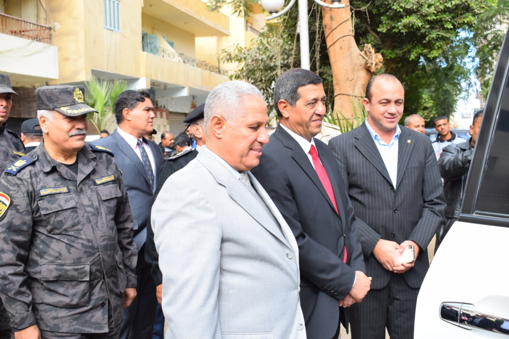 مدير أمن الأقصر سعداء بحفاوة المواطنين ونعدهم بتقديم أرواحنا فداءاً لهم (3) - Copy