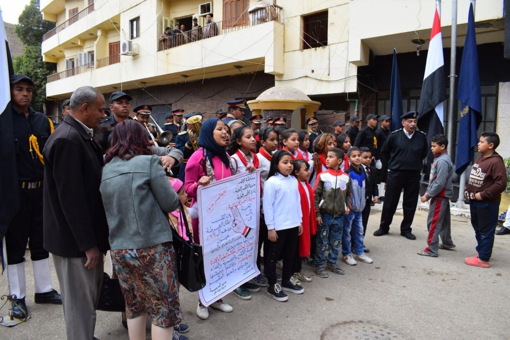 مدير أمن الأقصر سعداء بحفاوة المواطنين ونعدهم بتقديم أرواحنا فداءاً لهم (12)