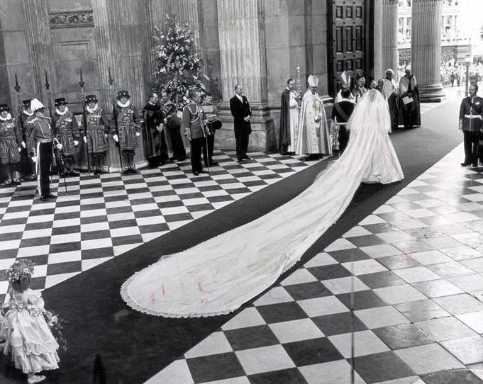 فساتين زفاف ال 80 و 90