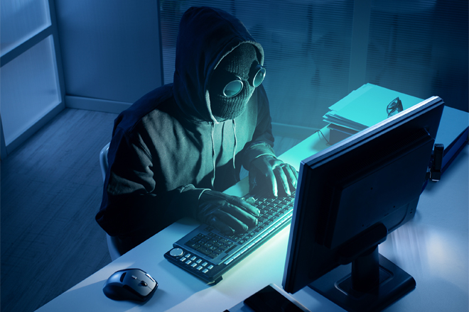 208620-208620-haker-cyberatak-komputer-fotolia-660x440