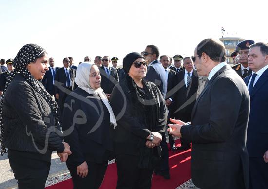 الرئيس عبد الفتاح السيسى يتقدم جنازة جثمان الشهيد ساطع النعمانى ضحية الإرهاب (4)