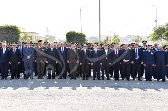 الرئيس عبد الفتاح السيسى يتقدم جنازة جثمان الشهيد ساطع النعمانى ضحية الإرهاب (3)