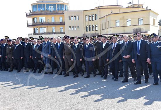 الرئيس عبد الفتاح السيسى يتقدم جنازة جثمان الشهيد ساطع النعمانى ضحية الإرهاب (1)