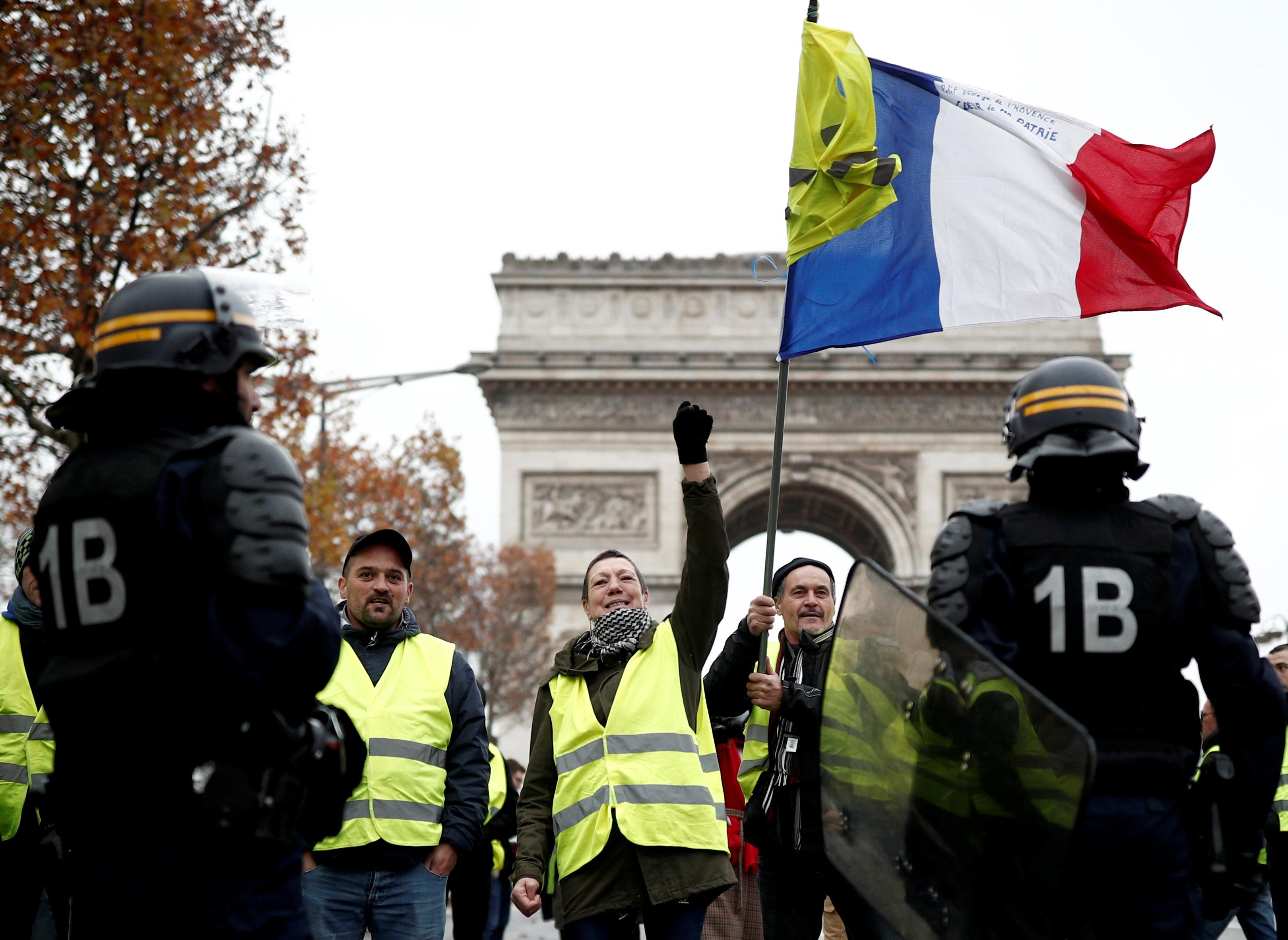 مظاهرات فرنسا (8)