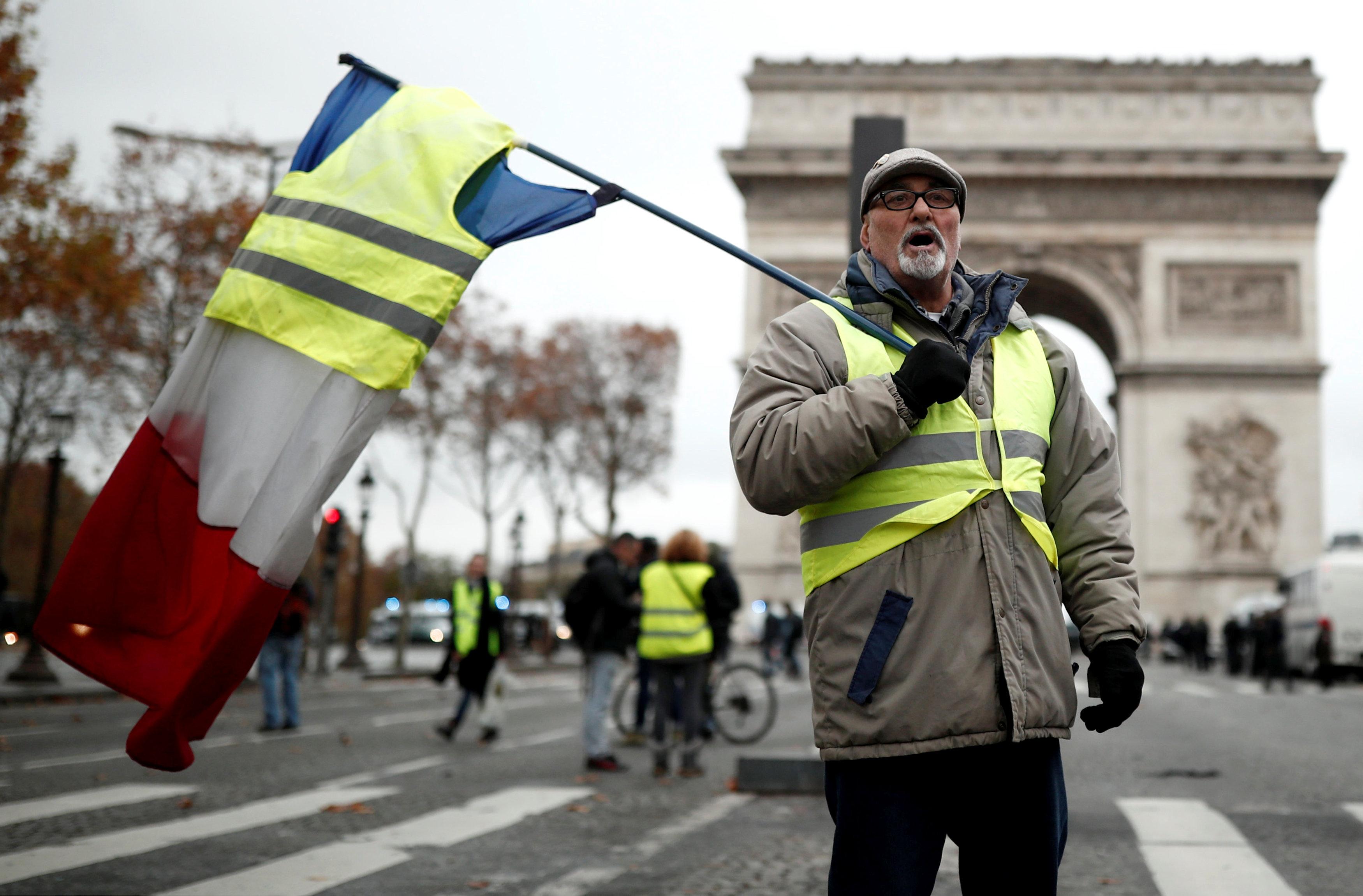 مظاهرات فرنسا (10)
