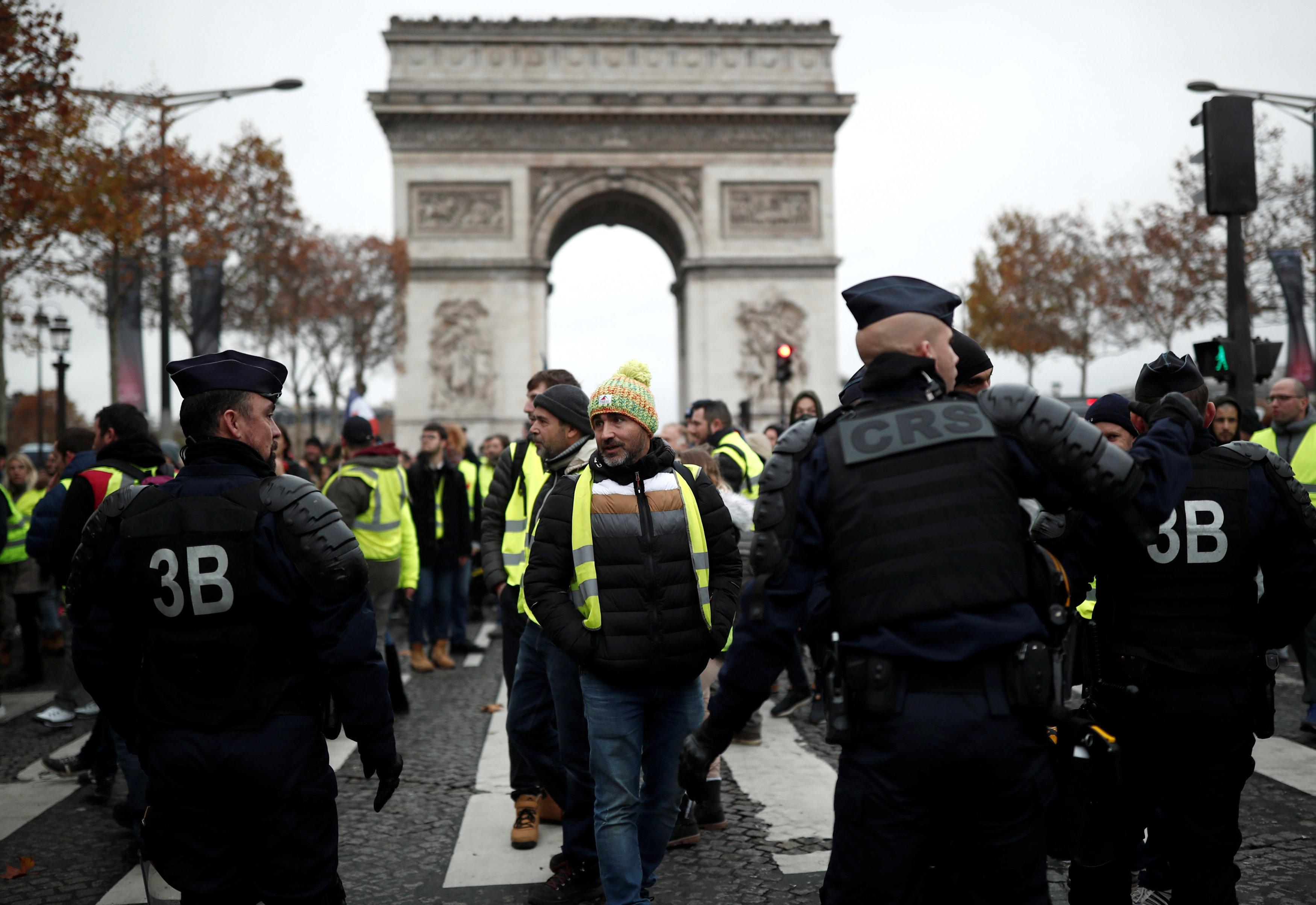 مظاهرات فرنسا (3)
