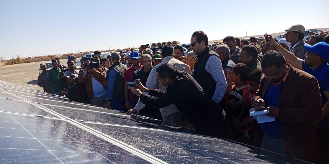 وزير الزراعة يفتتح محطة الطاقة الشمسية (5)