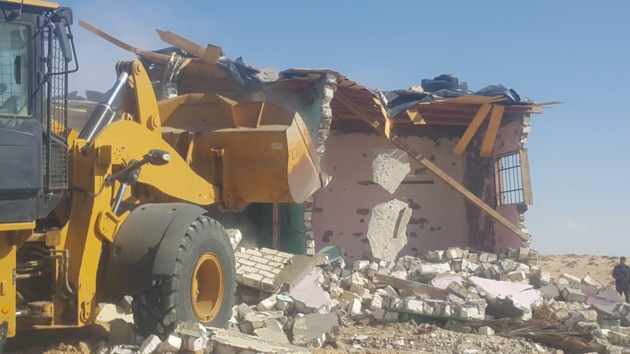 إزالة التعديات واستعادة 125 فدانا من أراضي الدولة بمدينة بئر العبد (8)