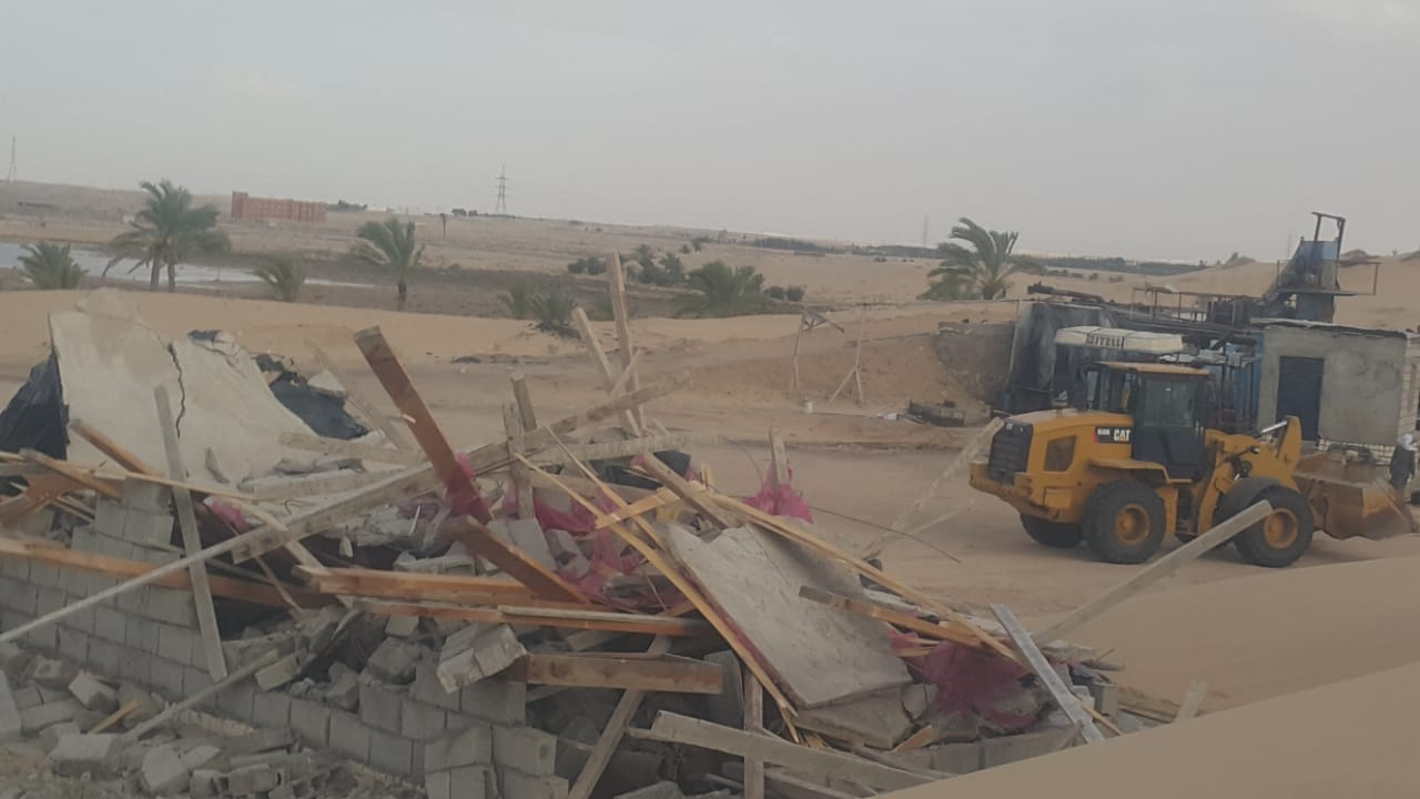 إزالة التعديات واستعادة 125 فدانا من أراضي الدولة بمدينة بئر العبد (3)