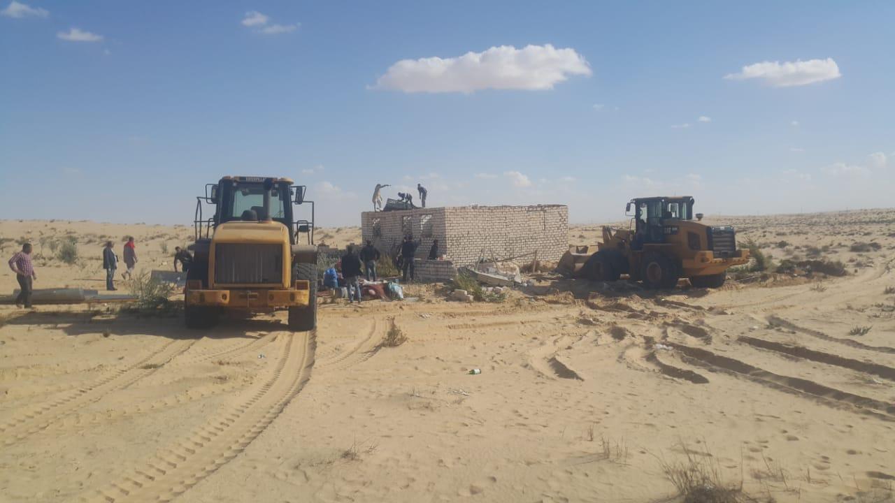 إزالة التعديات واستعادة 125 فدانا من أراضي الدولة بمدينة بئر العبد (5)