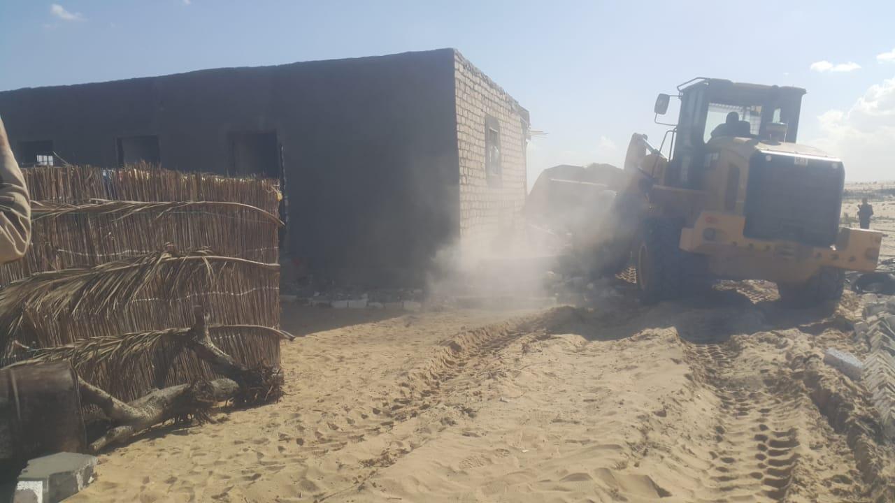 إزالة التعديات واستعادة 125 فدانا من أراضي الدولة بمدينة بئر العبد (6)