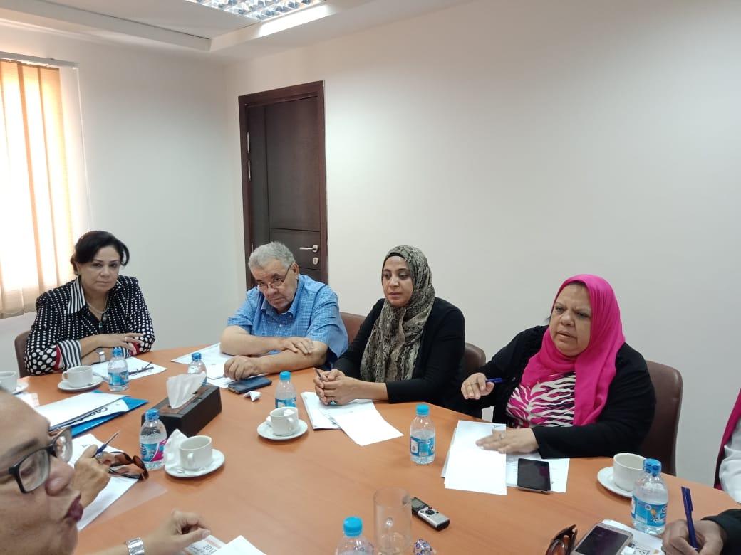 رئيس لجنة المحافظات بالقومي للمرأة (1)