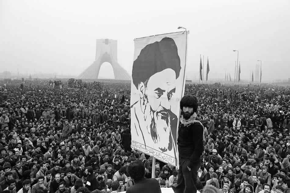 الثورة الإيرانية (2)