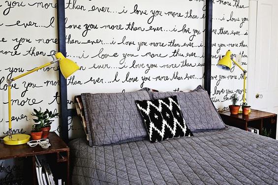 كتابة يدوية على الجدران