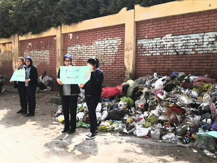 2-جانب من وقفة لطلاب مدرسة التحرير