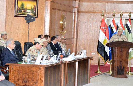 السيسي يزور مقر القيادة العامة بشرق القناة (5)