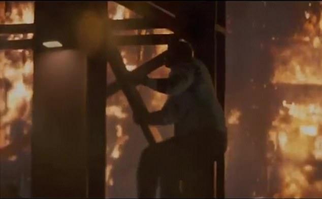 ذا روك حارس ناطحات السحاب فى فيلم Skyscraper  (5)