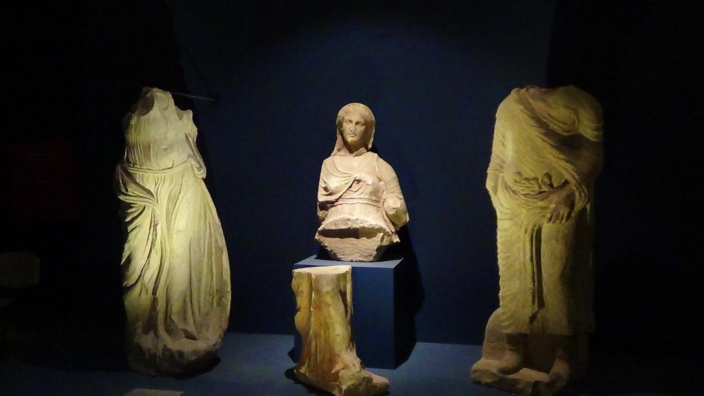 تعرف على متحف آثار مطروح الذي افتتحه الرئيس السيسي  (4)