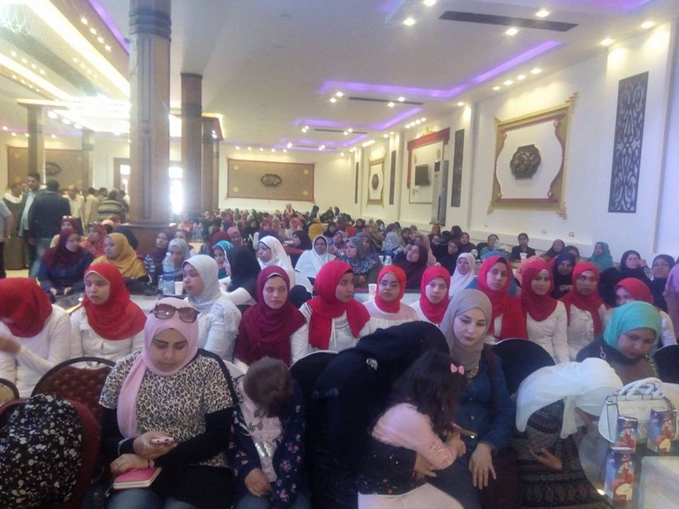 3- السيدات والفتيات حرصن على حضور  المؤتمر