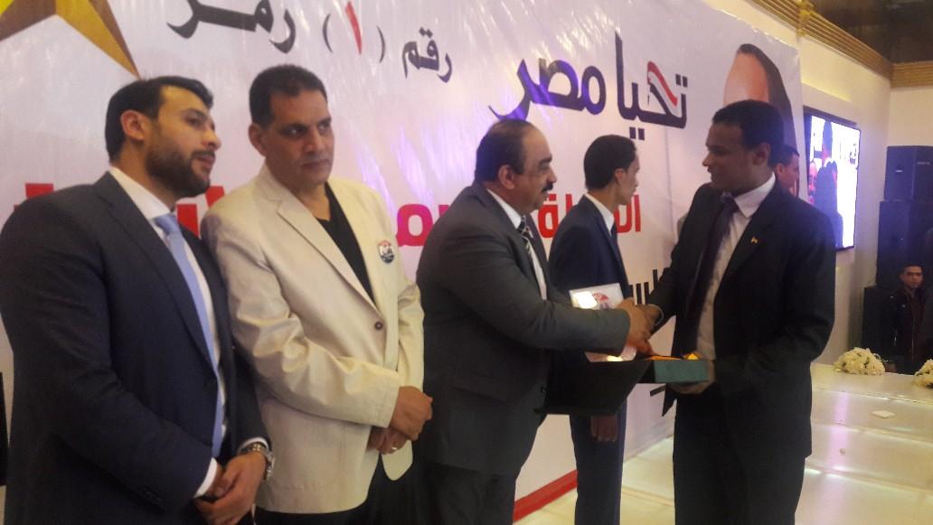 حملة مواطن بالإسكندرية تكرم صوت الأمة  (7)