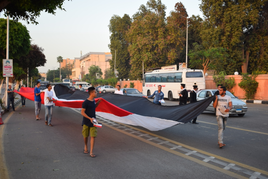 دعم الرئيس السيسي بمسيرة في الاقصر (9)